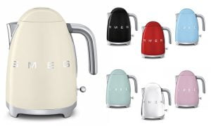 5. Smeg Retro Style Electric Kettle